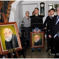 Two portraits of Dr n. farm Krzysztof Kmieć ( 1950 - 2011) donated by his friends. Celebrations in the Museum of Pharmacy in Krakow